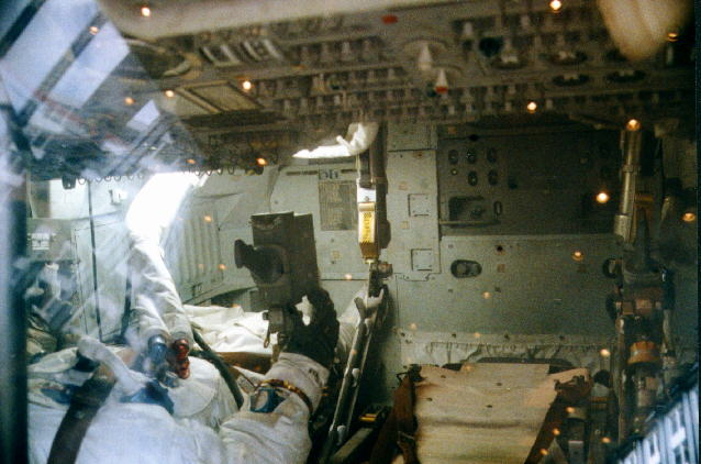 Houston Apollo Command Module 17 - Pics about space